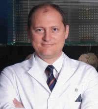 Клиника Yeditepe, Доктор - Нейрохирургия, спинальная хирургия - Башар Аталай