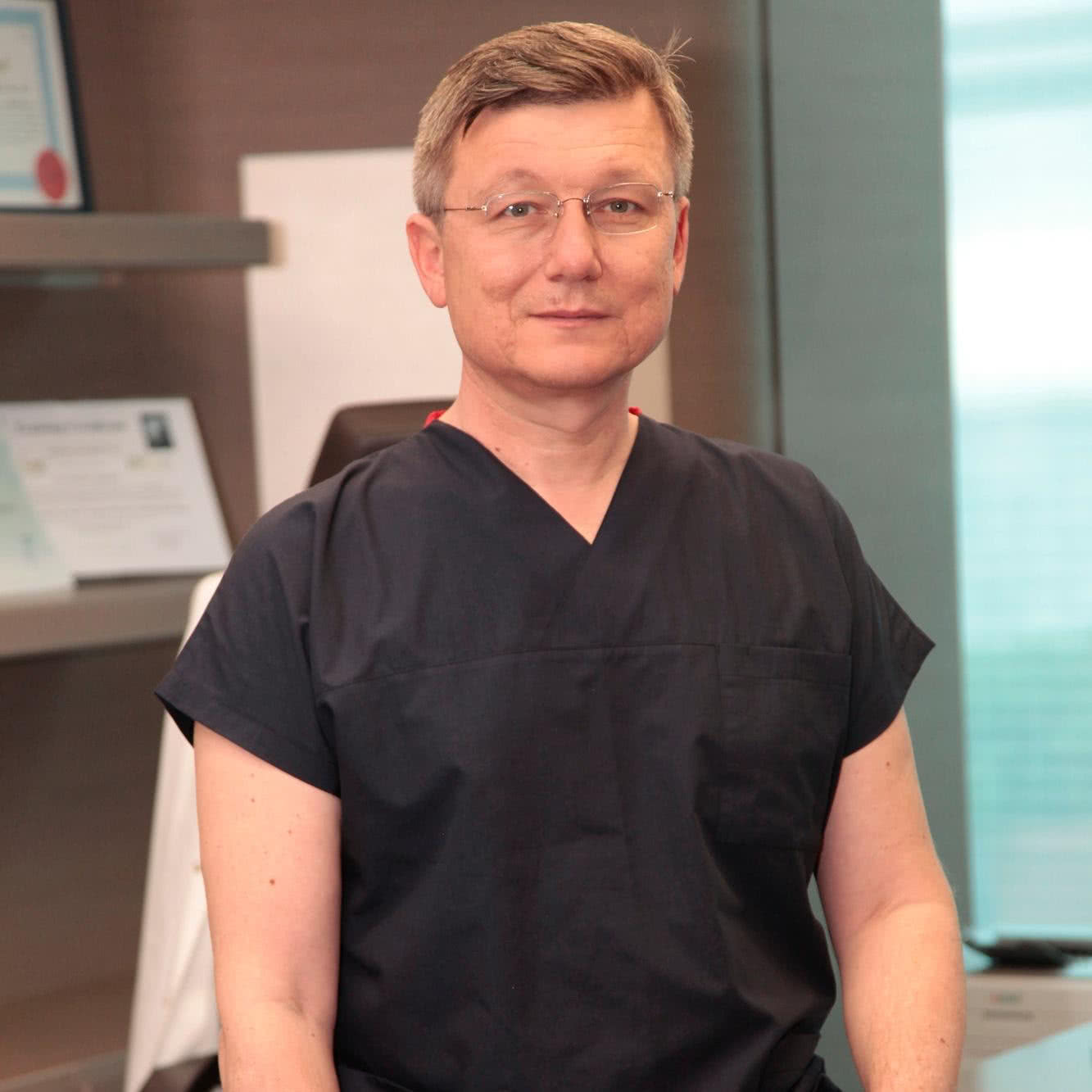 Liv Hospital, Доктор - Урология, онкология - Haluk Akpinar
