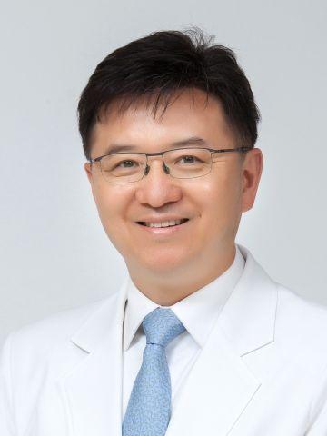 Медицинский центр при университете Hanyang, Кардиолог - Кардиология - Юн, Хо Джу