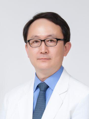 Медицинский центр при университете Hanyang, Терапевт - Реабилитация, терапия - Хван, Хван Сик