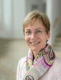 Клиника Августинум, Директор клиники - Анжела Бенне