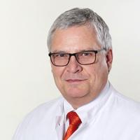 Клиника Миттельбаден, Директор - Уолтер Сейфрид