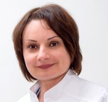 Офтальмологическая клиника «Світ зору», Доктор офтальмолог высшей категории, кандидат медицинских наук - Попова Ульяна Романовна
