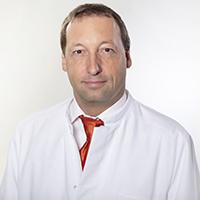 Клиника Миттельбаден, Главный врач - Бернхард Деген