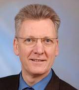 Университетская клиника Карлсруэ, Керуючий директор - Ганс-Юрген Хеннес