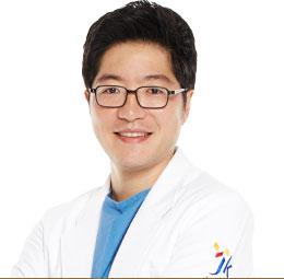Центр пластической хирургии JK, Пластический хирург высшей категории - Бэ Джун Сон
