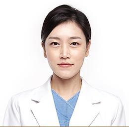 Центр пластической хирургии JK, Пластический хирург высшей категории - Пэк Хе Вон