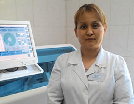 ГКП на ПХВ «Алматинский онкологический центр», Заведующая  клинико-диагностической лабораторией - Кайдарова Жанар Слямбаевна